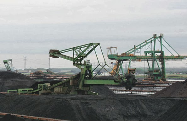 Siemens Milltronics MMI double-idler belt scale measures fast-moving coal on EMO's stacker-reclaimer