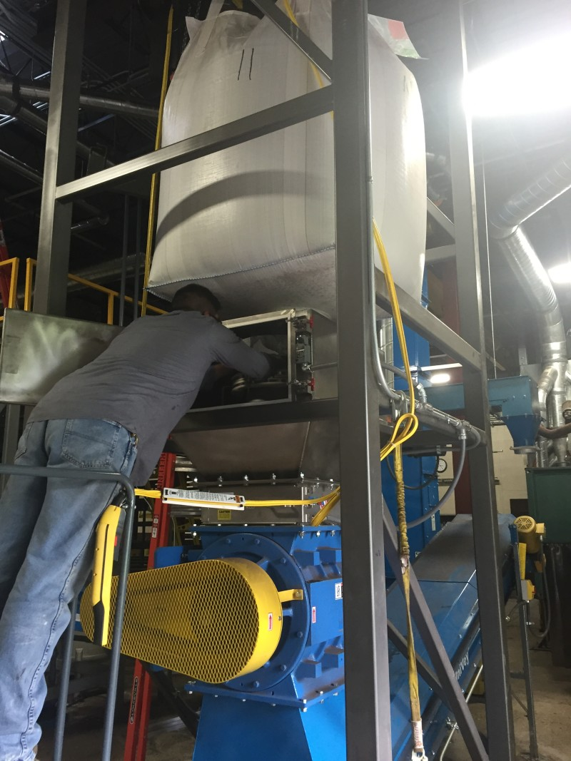 Reducing Dust in Bulk Bag Unloaders
