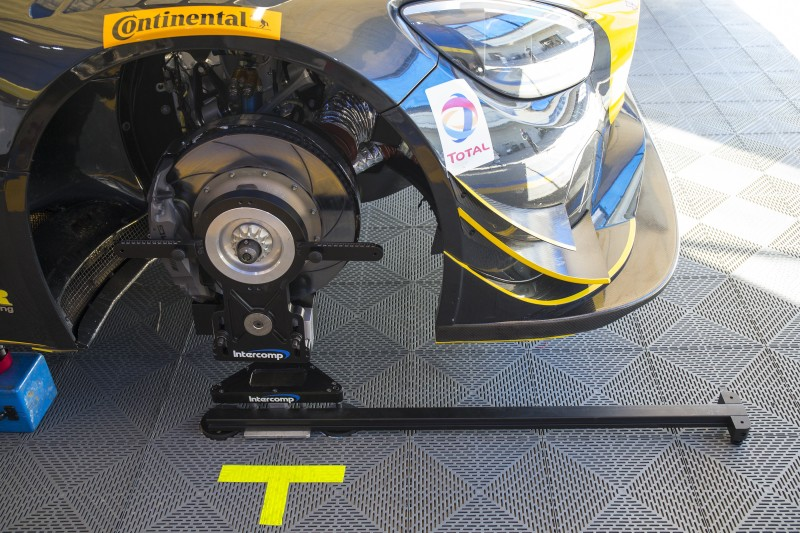 Intercomp Precision Hub Scale Removes Need for Setup Wheels and Tires