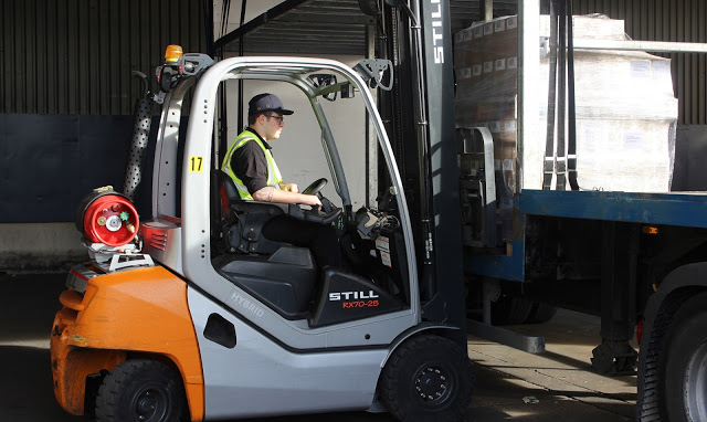 Leading Pallet Distribution Specialist Improves Loading Safety using Forklift Scales from Avery Weigh-Tronix