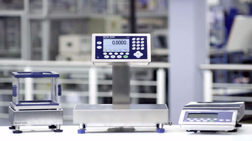 Weighing in Pharmaceutical Manufacturing with Mettler Toledo ICS Scale Family